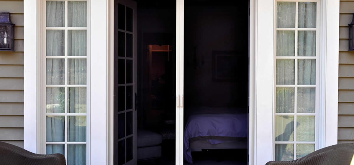 Retractable screen doors from killian 39 s palm coast florida for Double french doors with screens